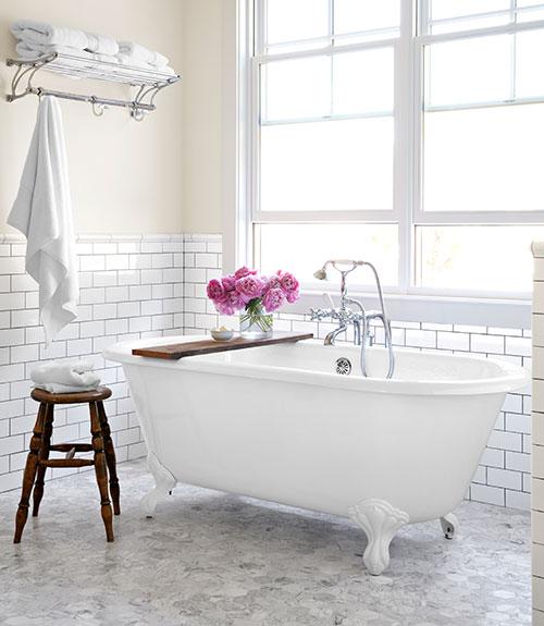 07-clx-the-new-house-bathroom-0813-xln